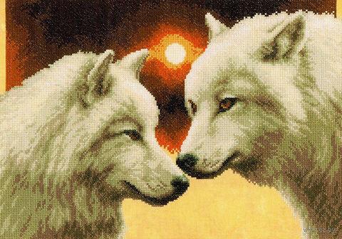 """Вышивка крестом """"Волки в полнолуние"""" (350x250 мм) — фото, картинка"""