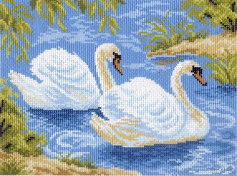 """Канва с нанесенным рисунком """"Тундровые лебеди"""""""