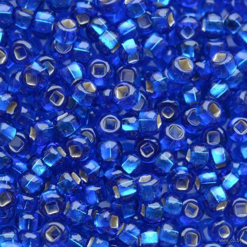 Бисер прозрачный с серебристым центром №67300 (синий; 10/0) — фото, картинка
