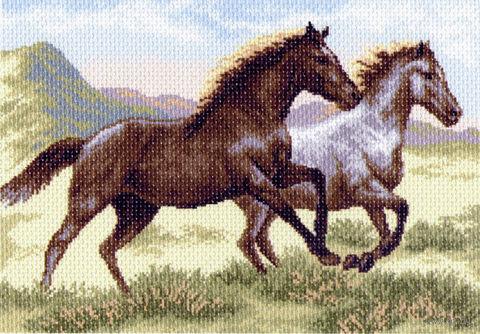 """Канва с нанесенным рисунком """"Бегущие кони"""""""