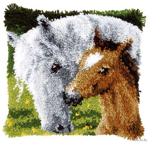 """Вышивка в ковровой технике """"Подушка. Лошадь"""" (400х400 мм) — фото, картинка"""