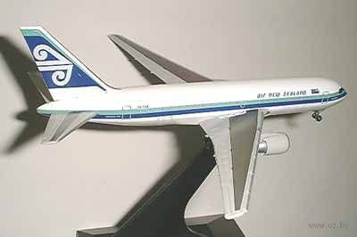 """Авиалайнер """" Air New Zealand B767-219 Vintage Livery"""" (масштаб: 1/400) — фото, картинка"""