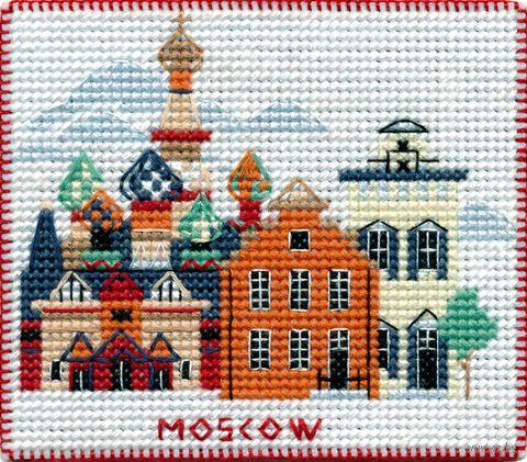 """Вышивка крестом """"Москва"""" (90х80 мм; на магните) — фото, картинка"""