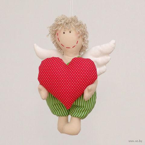"""Кукла ручной работы """"Ангел Валентинчик"""" (с большим красным сердцем в руках)"""