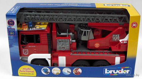 """Модель машины """"Пожарная машина MAN с лестницей и помпой"""" (масштаб: 1/16)"""